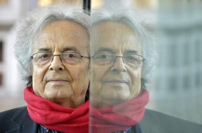 مطالبات بسحب جائزة السلام الألمانية من أدونيس
