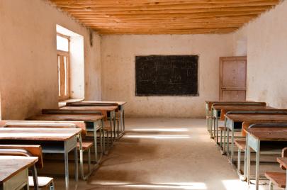 اللامساواة في التعليم.. آثار أخرى للفساد وانعدام الديمقراطية