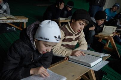 تحفيظ القرآن بالمدارس الحكومية في تونس.. المعركة!