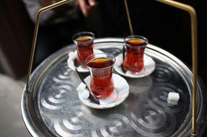 بمعدل 1300 كوب سنويًا للفرد.. الأتراك أكثر شعوب العالم استهلاكًا للشاي