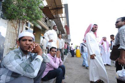 السعودية تطبّق رسوم مرافقي العمالة الوافدة.. وجه جديد لجباية الإفلاس؟