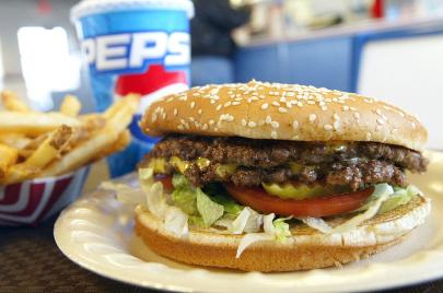 ما هي الأغذية التي تزيد من الإصابة بمرض السكري؟