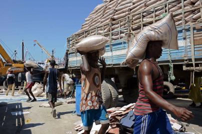 الصومال الواقف ضد مشروع التقسيم الإماراتي.. البحر الأحمر ليس لكم