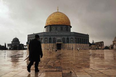 السفارة الأمريكية إلى القدس.. متابعة إعلامية وردود دولية غاضبة