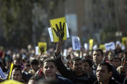 شباب الإخوان في مرمى أزمة جماعتهم