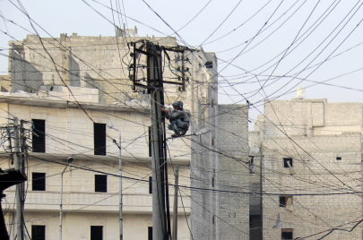 مناطق المعارضة السورية.. من أزمة الكهرباء إلى الأعباء الاقتصادية الجديدة