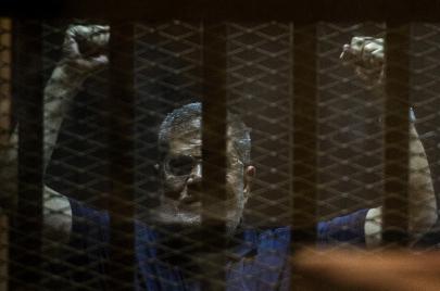 لماذا لم يتخل الإخوان عن مرسي؟