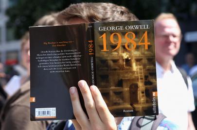 رواية 1984.. التحفة الأدبية التي قتلت جورج أورويل