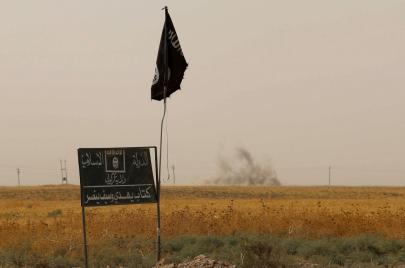 كيف تجتذب داعش المجرمين السابقين والمسلمين الجدد؟