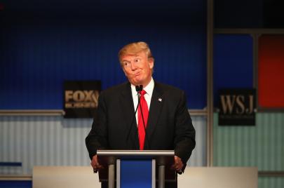 الرئيس المولع بالعالم السفلي.. كيف يدير ترامب البيت الأبيض كزعيم عصابة؟