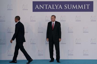 أوباما.. السير على خط رفيع بين أنقرة وموسكو