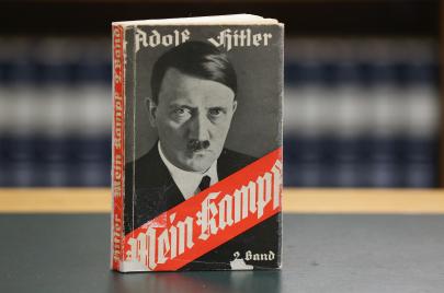 عنصرية أمريكا البيضاء.. غواية هتلر