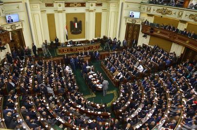 البرلمان المصري..ظل هزيل للسلطة