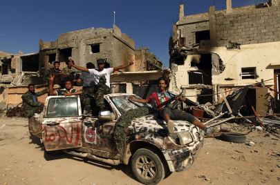 الجيش الليبي يرصد طائرتين مصريتين محمّلتين بالأسلحة لدعم حفتر