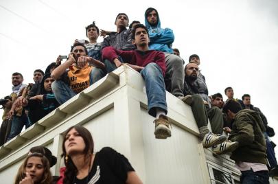 اللاجئون السوريون في أوروبا.. إلى تركيا