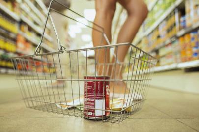 هل نحصل على قيمة غذائية من الأطعمة المعلبة؟