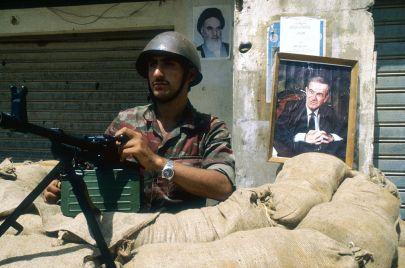 الجيش في سوريا.. من عقائدية المؤسسة إلى مليشيا العائلة وطائفيتها