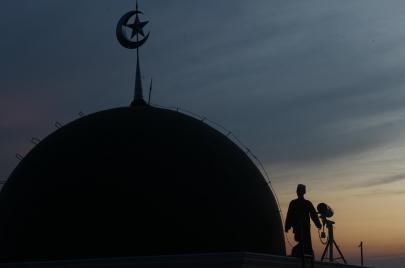 رمضان المصري.. كيف كان موكب رؤية الهلال عبر العصور؟