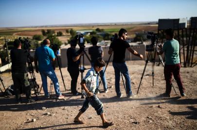 الدليل المختصر لفهم إستراتيجية داعش الإعلامية