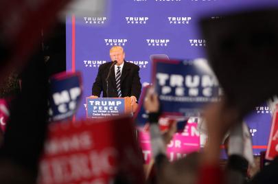 أنصار ترامب يهددون بثورة حال خسارته