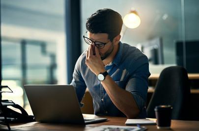 تبذل مجهودًا شاقًا في العمل بلا نتيجة؟.. إليك 3 مفاتيح للعمل بذكاء