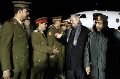 عدو الثورة الليبية العائد من الموت.. هل زار خليفة حفتر السودان؟