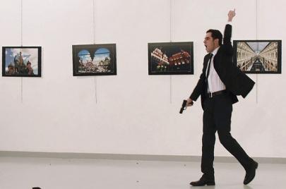 ثلاث نظريات حول قاتل السفير الروسي