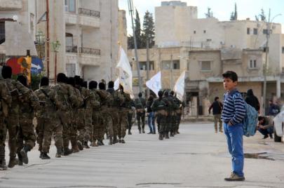 هل تبتلع القاعدة فصائل المعارضة السورية؟