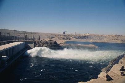 أزمة جيوسياسية كبيرة حول السيطرة على النهر العظيم