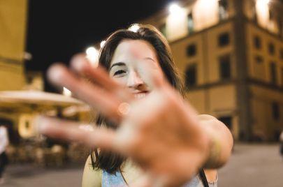 نصائح للتغلب على الخجل من الكاميرا