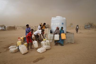حرب العطشى.. 15 مليون يمني يعانون من نقص مياه الشرب