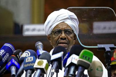 انقلاب قصر في السودان.. حكومة صورية