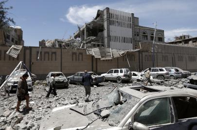 مجزرة أبوظبي-الرياض مستمرة في اليمن.. بقنابل أمريكا