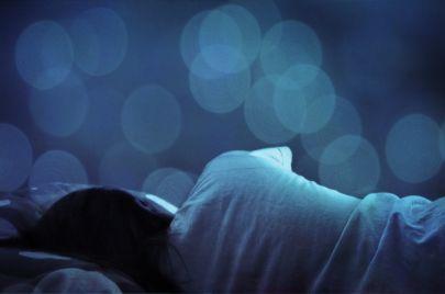 5 أطعمة ستساعدك في الحصول على نوم هانئ وعميق