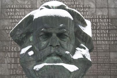 الماركسية في 5 كتب أساسية