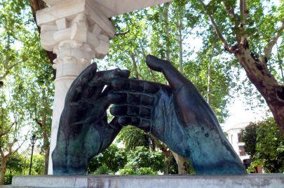 تماثيل لشخصيات عربية في ربوع الأندلس