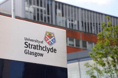 منح بكالوريوس ودراسات عليا من جامعة ستراثكلايد في اسكتلندا لطالبي اللجوء