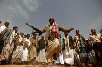 في الحرب.. الزوامل اليمنية لا تقلّ ضراوة عن المدافع