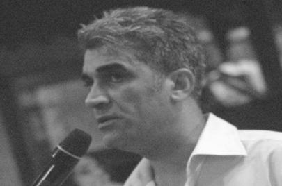 أحمد عبد الحسين.. مكان بلا زمن