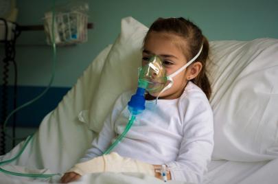 مرضى التليّف الكيسي في الأردن.. وحيدون في مواجهة المرض والمجتمع