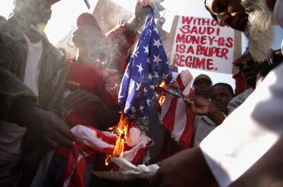 عنصرية ترامب ضد المهاجرين السود تفتح ملف الجرائم الأمريكية في أفريقيا
