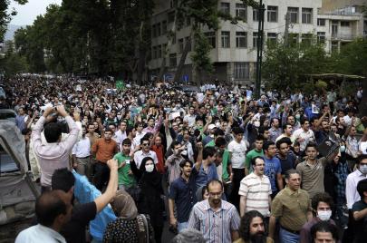 الأولى من نوعها منذ 2009.. تظاهرات احتجاجية في العديد من المدن الإيرانية