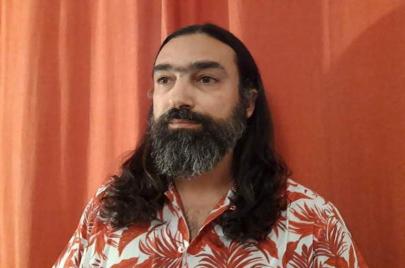 حوار| المترجم البرتغالي هوجو مايا: أنا صياد يتصيّد الجنون